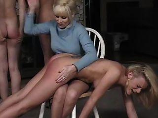 spanked और दिया एनीमा