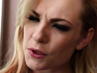 डेलिया आकाश और कासिडी क्लेन के साथ अद्भुत समलैंगिक वीडियो