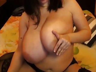 एक प्राइमर विशाल बड़े प्राकृतिक स्तन saggy बड़े निपल्स पुचलना