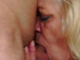 सींग का दादी किशोर लड़के seduces