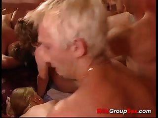 जर्मन swinger groupsex नंगा नाच