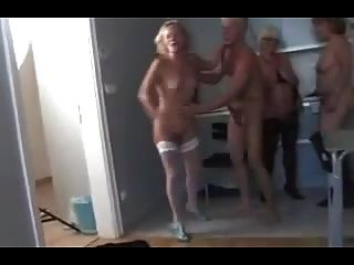 नंगा नाच परिपक्व