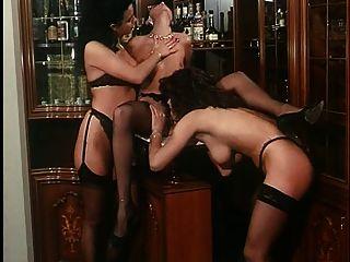 समलैंगिक दृश्य सोगनी बागानी डी अमोर (1 99 4) एंजेलिका बेला