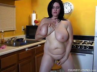 विशाल स्तन बीबीडब्ल्यू सौंदर्य उसे वसा रसदार बिल्ली बकवास प्यार करता है 4 यू