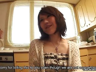 एशियाई लड़की अगले दरवाजे गड़बड़ हो रही है और मुश्किल क्रीमयुक्त