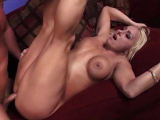 गोरा बड़े स्तन खाल उधेड़नेवाला एक चेहरे ले