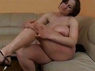 राक्षस स्तन जर्मन BBW परिपक्व fucked हो जाता है और बी $ आर छिड़काव