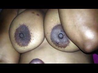 बड़े स्तन पर cumshoot