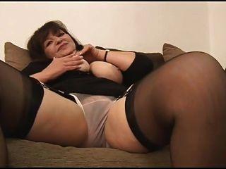मैं सेक्सी परिपक्व महिलाओं को प्यार करता हूँ
