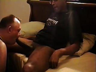 mr.18 इंच उसके बड़े डिक एक सफेद पिताजी part1 द्वारा चूसा हो जाता है