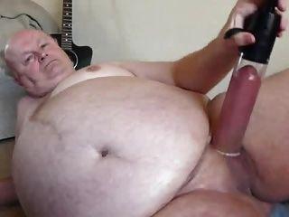 कैम पर सेक्सी दादाजी पंप मुर्गा
