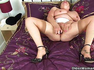 ब्रिटेन grannies त्रिशा और zadi प्यार एक dildo कमबख्त