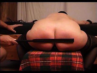 sklavin z और उसके spanked गधे
