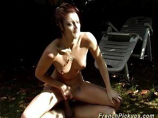 फ्रेंच किशोरों गुदा सेक्स के लिए उठाया