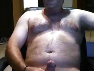सेक्सी पिता भालू अपने वसा मुर्गा stroking