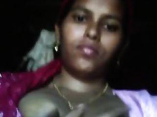 देसी प्यारा भारतीय नौकरानी स्तन