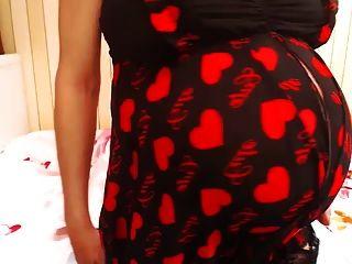 सुंदर गर्भवती शेआ