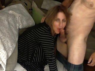 बड़ा गधा माँ एक चेहरे का हो जाता है
