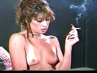 पुराने स्कूल जल्द ही विंटेज धूम्रपान बुत वीडियो होने के लिए