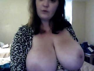 शौकिया बड़े स्तन वेबकैम पर