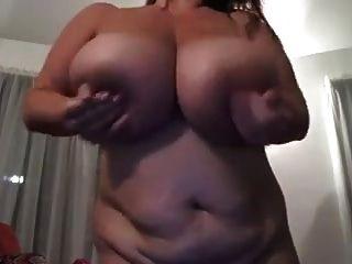 मैं बड़े प्राकृतिक बीबीडब्ल्यू स्तन प्यार करता हूँ