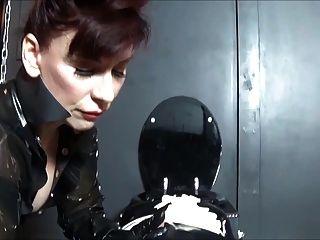 मैडम सी रबर गुड़िया के साथ खेलने नाटकों angelicella के मुर्गा और गधा