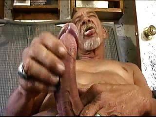 बड़ा मुर्गा बूढ़ा आदमी (कोई सह)