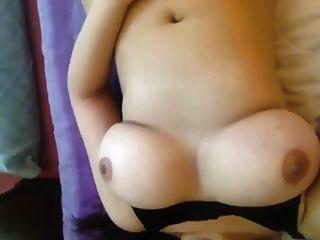 भारतीय चाची का प्यारा विशाल स्तन
