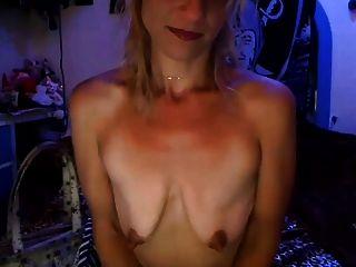 पैतृक खाली saggy स्तन के साथ लड़की खुद अपमान (भाग 1)