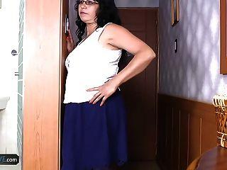 agedlove परिपक्व लैटिना लुइसिया खिलौने और कट्टर