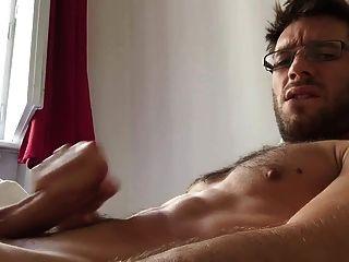 सुबह सेक्सी (सेक्सी ऑस्ट्रियन आदमी)
