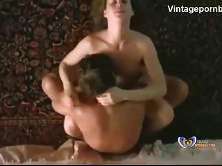 एमआईएलए महिला के साथ पुराने कट्टर सेक्स दृश्य