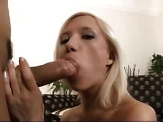 blowjob लड़कियां फेशियल करवाएं