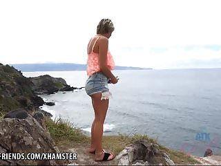 makenna hawaii में आपके सह के लिए बहुत गर्म है