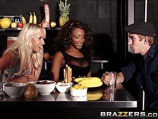 brazzers shes वाला स्क्वर कार्ला कॉक्स किकी मिनाज और डैन