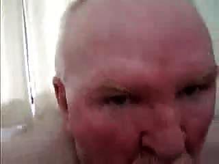 पिताजी भालू मुर्गा चूसने