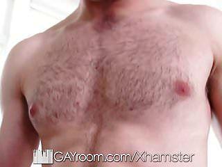 बेडरूम में त्रिगुट में समलैंगिक तंग लूट इंजेक्शन