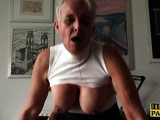 busty brit मोटे तौर पर उसे परिपक्व योनी में गड़बड़