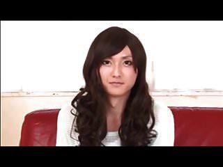 सेक्सी जापानी crossdresser गड़बड़ हो जाता है