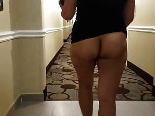 होटल के दालान में एशियाई एमआईएलए नग्न