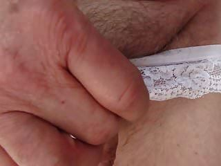 मेरा लंड सफेद पैंटी में