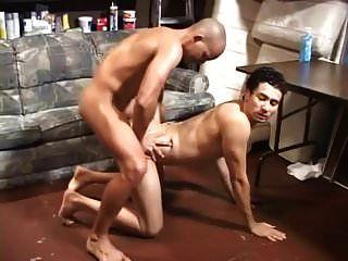 अपने समलैंगिक कमबख्त और उसकी गांड में पेशाब