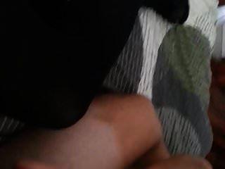 मिस्टर मेरे सुंदर pantyhosed पैरों पर cums