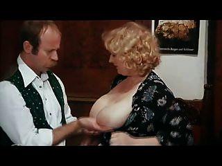 पुराने कामुक स्तन 1