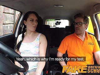 सेक्सी धोखा के लिए नकली ड्राइविंग स्कूल गन्दा creampie चरमोत्कर्ष