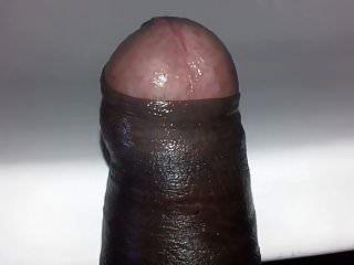 मेरे लंड को देखो। मेरा लंड कमाल का है