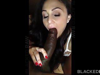 blackedraw गांठदार श्यामला पत्नी अपने होटल में काला मुर्गा प्यार करता है