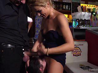 खूबसूरत वेश्या rebecca volpetti सार्वजनिक सेक्स में मजबूर है और
