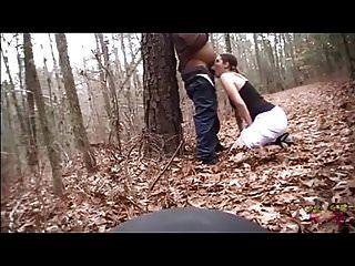 जंगल में गड़बड़ और उसके डिक और पेट पर घुट