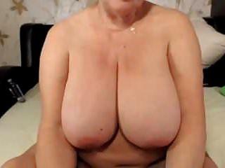 xhamster.com 5607899 गोरा नानी बड़े स्तन 480p.mp4